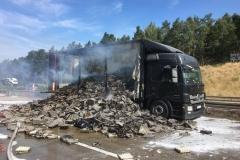 A2 Niemcy - spłonęła polska ciężarówka z wytłaczankami 1