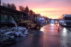Niemcy – ciężarówka z Polski spłonęła doszczętnie na A7 8
