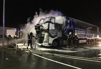 Niemcy – Kierowca z Polski znajdował się kabinie gdy wybuchł pożar – z poparzeniami trafił do szpitala 8