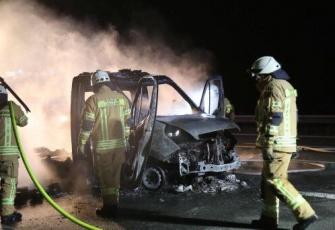 Niemcy - pojazd dostawczy z Polski w płomieniach. Dzięki przytomności umysłu Polaka uniknięto większej tragedii 7