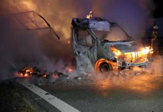 Niemcy - pojazd dostawczy z Polski w płomieniach. Dzięki przytomności umysłu Polaka uniknięto większej tragedii 5