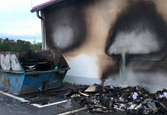 Niemcy-–-spłonęły-4-ciężarówki-–-policja-zakłada-podpalenie-i-prosi-świadków-o-pomoc-2