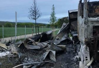 Niemcy-–-spłonęły-4-ciężarówki-–-policja-zakłada-podpalenie-i-prosi-świadków-o-pomoc-6