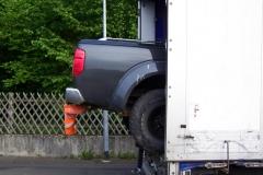 Z polskiej ciężarówki wystawał pickup 2