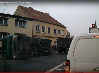 Wypadek Ujście przewrocona Cieżarówka