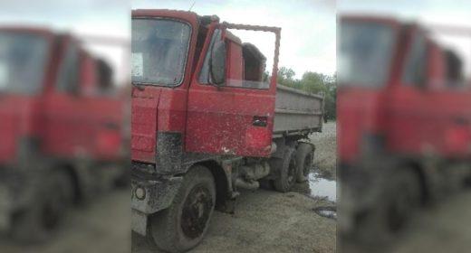 Wpadł pod koła własnej ciężarówki FB
