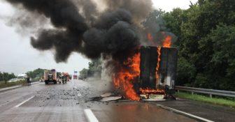 Pożar Niemcy A5 ciężarówka z Polski f