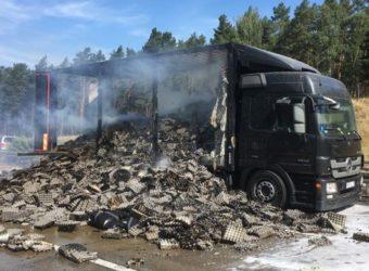 A2 Niemcy - spłonęła polska ciężarówka z wytłaczankami