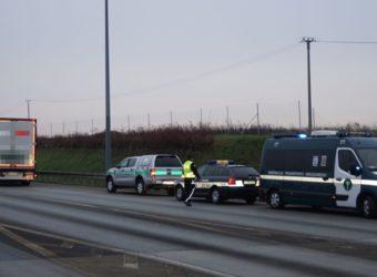 A2 – skontrolowano 400 pojazdów - wspólna akcja Policji, ITD, Straży Granicznej, KAS, Sanepidu i IOŚ