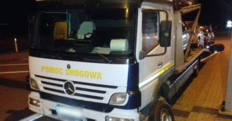 Pomoc drogowa bez koła, odpoczynku na autostradzie i dokumentu CMR