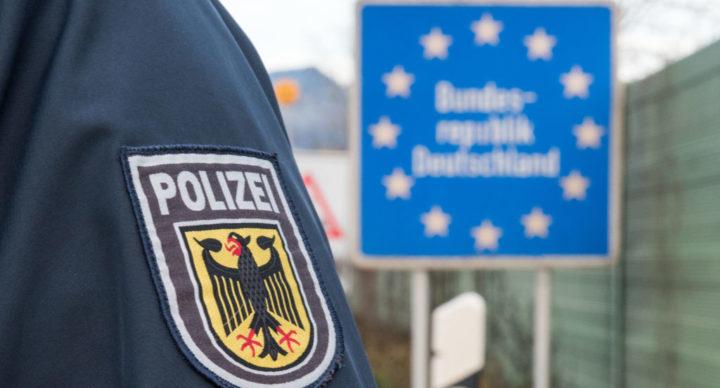 Polska firma wysłała pojazd na magnesie do przeładunku ciężarówki zatrzymanej za zmanipulowany tachograf