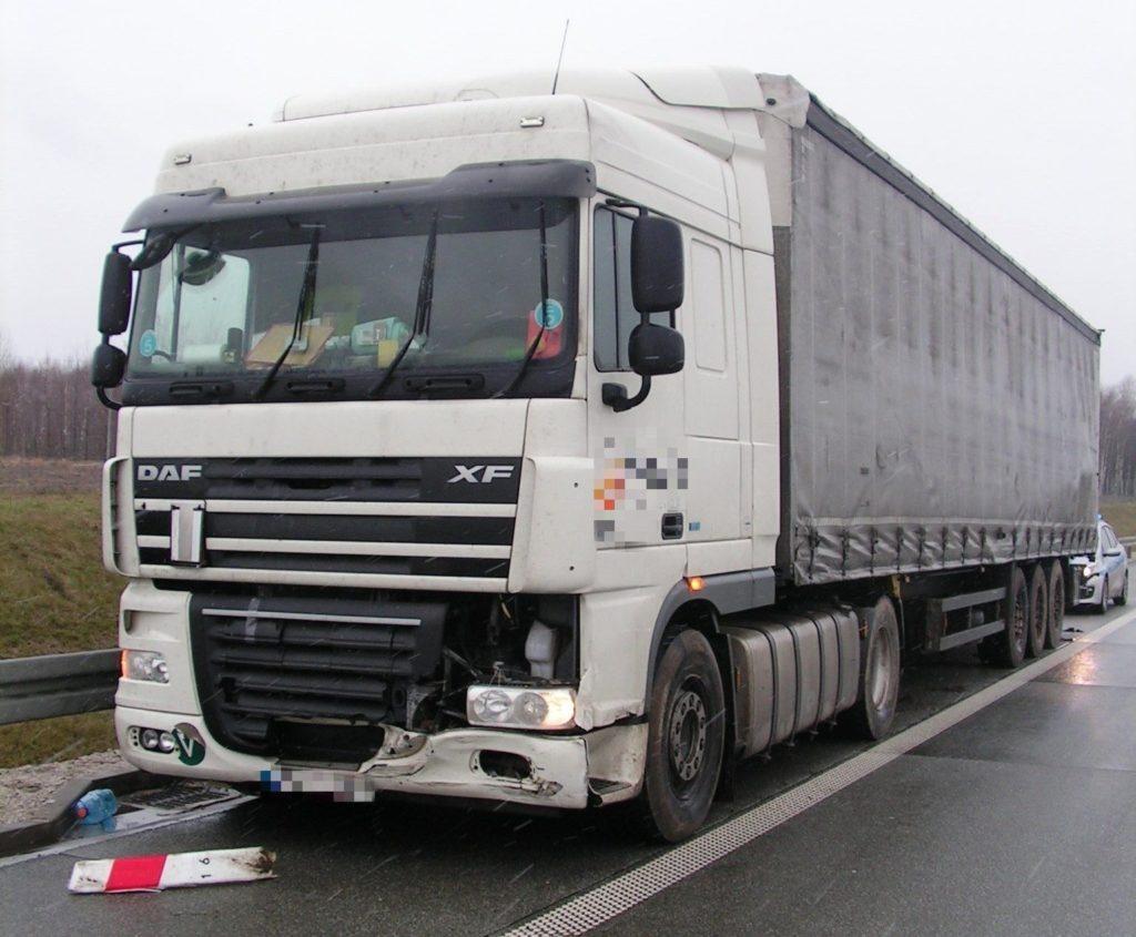 ITD – inspektorzy uratowali kierowcę ciężarówki, któremu groził wylew lub udar i zapobiegli tragedii na S8