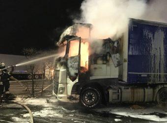 Niemcy – Kierowca z Polski znajdował się kabinie gdy wybuchł pożar – z poparzeniami trafił do szpitala