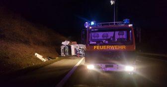 Niemcy – kierowca ciężarówki ciężko ranny po najechaniu na zestaw 39-latka z Polski, który wyjeżdżał w nocy z parkingu f
