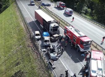Polska – karambol na A6 – kierowca ciężarówki jechał najprawdopodobniej na zakazie
